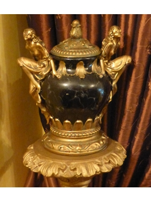 "Regency Art Decor Urn with lid, H 11"" diameter 9"" gilt wood and other material, mid 20th century"