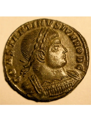 Rome Imperial Constantine II Bronze 317-326 AD EF Obverse: Laurate Bust right, Obverse 2 soldiers 2 standards ROMAN EMPIRE, Constantine II, Caesar, 317-26, AE3/4, SRo-3951, 2 soldiers - 2 standards, GLORIA EXERCITVS ASIS