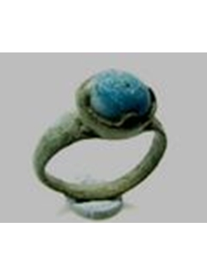 Roman semiprecious gem set bronze ring, ca 100  400 AD