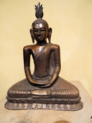 High quality bronze statue of seated Buddha in meditation from Sri Lanka, ca 19th -20th century