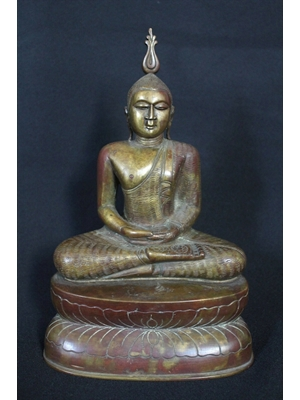 Large 28 cm high traditional seated Buddha bronze sculpture of Sri Lanka in the 19th century of excellent quality and beauty.
