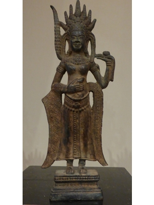 Devadata, celestial maiden with classical dance in Khmer art., bronze 12 tall, 17th century or earlier