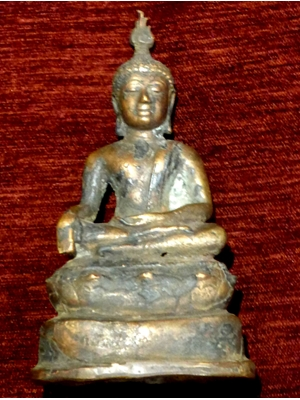 Buddha, 18th century heavy copper-bronze, Characteristic of Theravada Buddhism in Sri Lanka, unusual statue